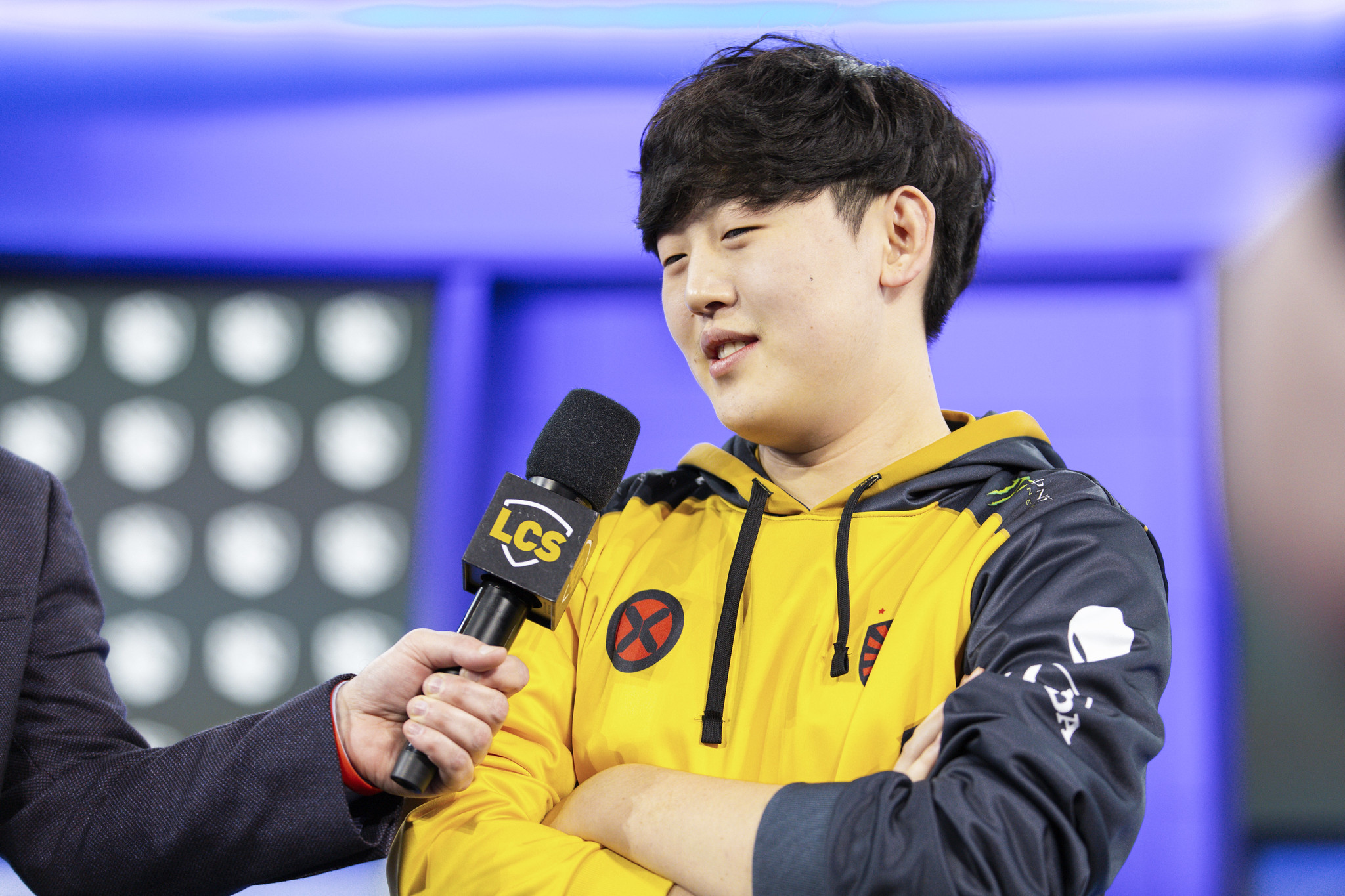Tactical interviewed on the LCS stage after replacing Doublelift