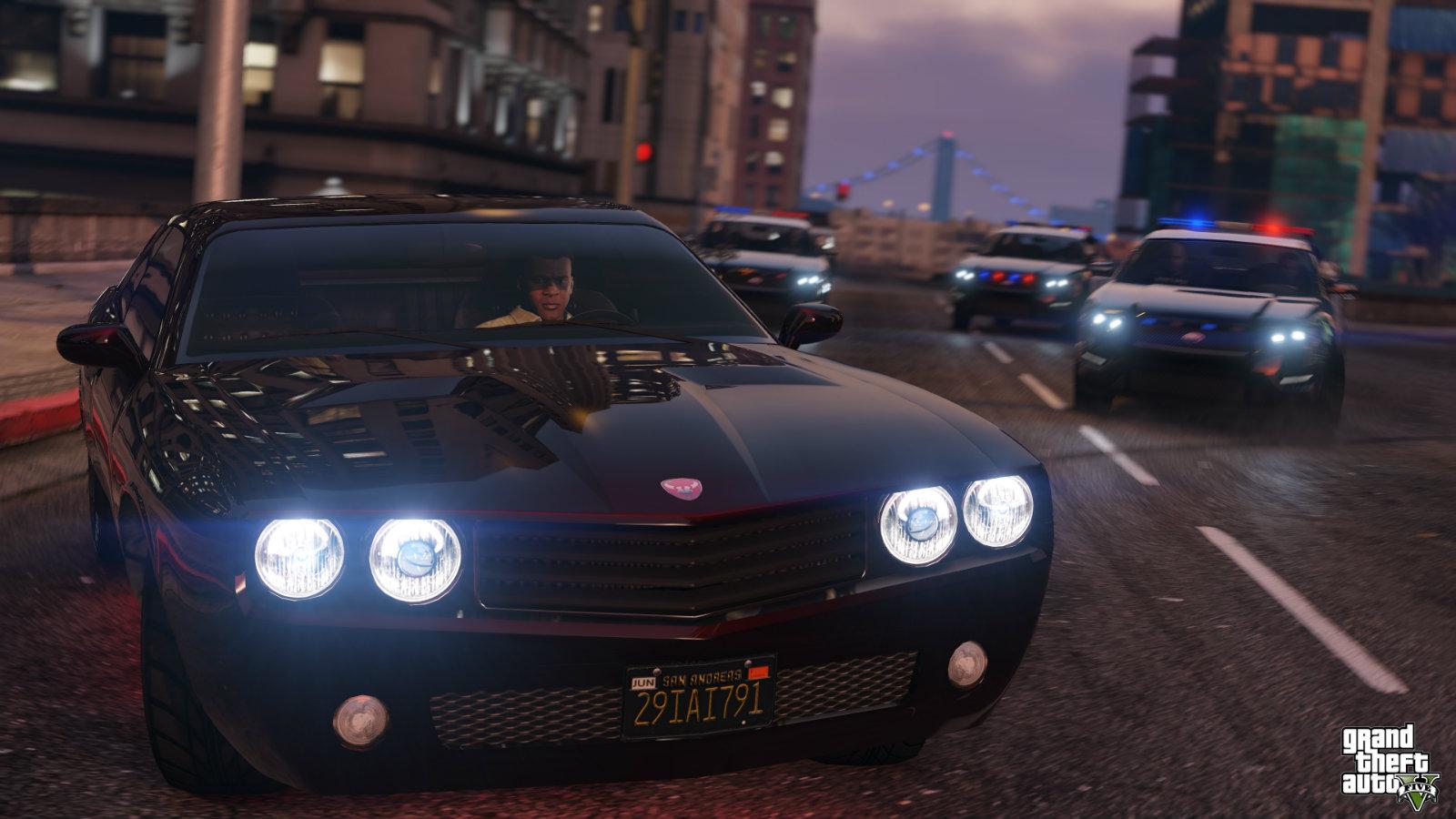 Franklyn speeds away from police in GTA V