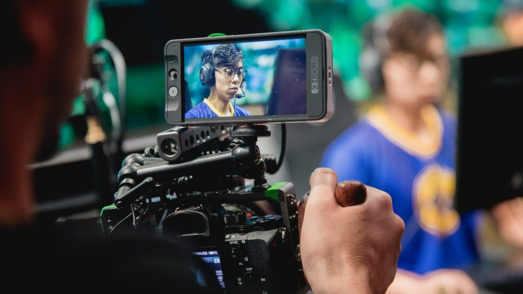 """Deftly is feeling """"lucky"""" he's on such a star-studded Evil Geniuses roster."""